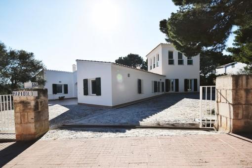 Toreinfahrt Villa