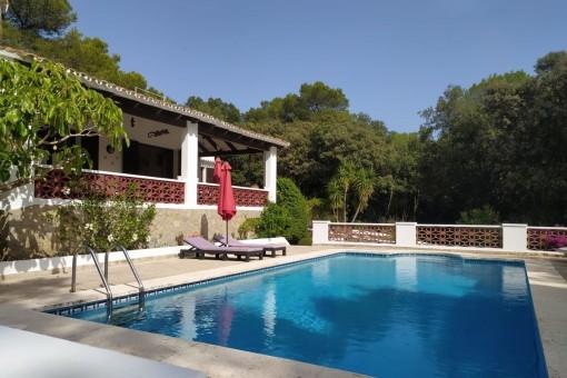 Schöne Villa mit Pool in ruhiger und naturnaher Lage am Fuße des Monte Toro