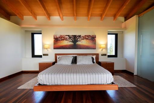 Elegantes Hauptschlafzimmer