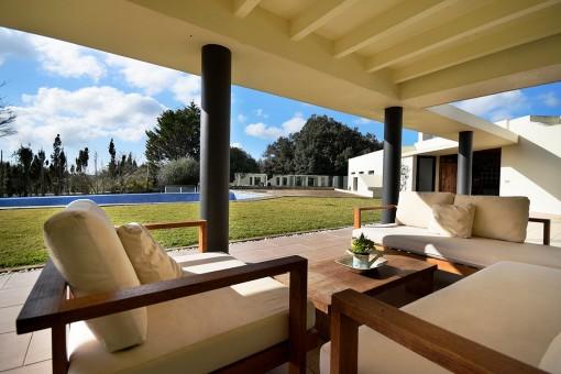 Modernes Landhaus mit Blick auf Alaior