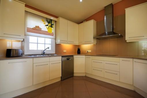 Moderne Küche im Erdgeschoss