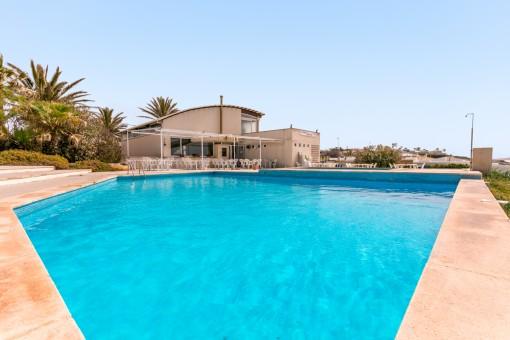 Einmaliges Restaurant für Beach-Club oder Wohnhaus in Sant Lluís