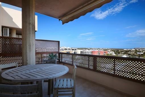 Großräumiges Penthouse mit Terrasse und Lift
