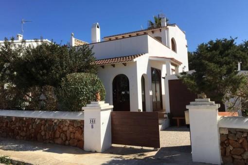 Hübsche Villa in Strandnähe in Cala Blanca