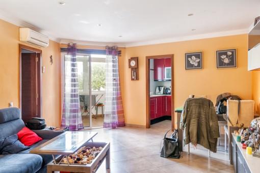 Geräumige renovierte Wohnung in Mahón