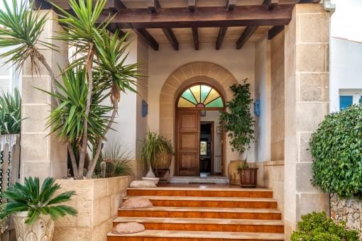 Freistehende Villa im nachgefragten Sa Caleta, Ciutadella