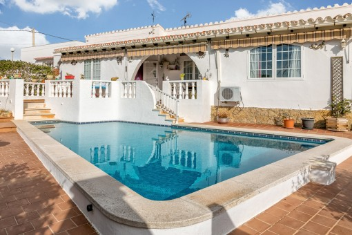 Einfamilienhaus in Cala en Porter mit Pool, Garage und Meerblick