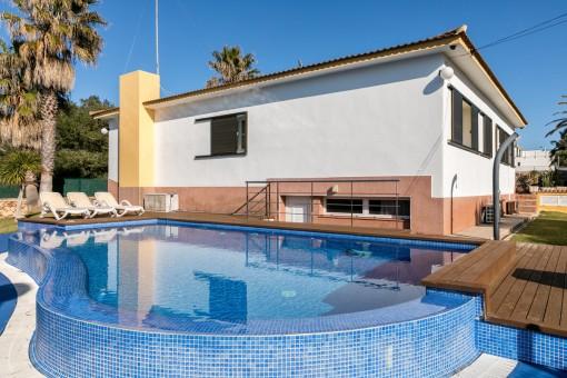 Schönes Einfamilienhaus in Strandnähe in Cala Blanca