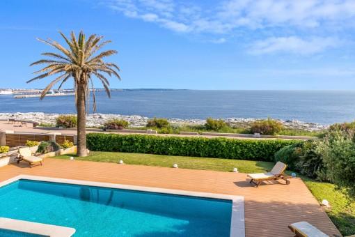 Spektakuläre Villa in erster Meereslinie in Ciutadella