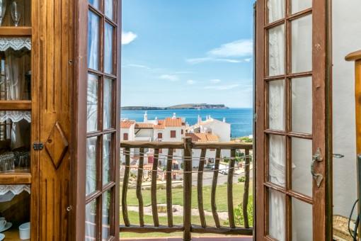 Apartment mit Panorama-Meerblick in gepflegter Anlage in Platges de Fornells