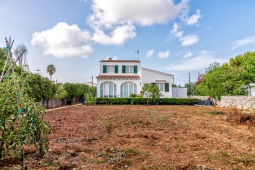 Schönes, großes Landhaus in idyllischer Lage und Stadtnähe in Llucmaçanes