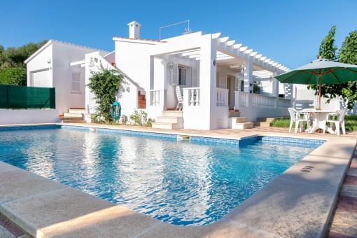 Schöne Villa mit Pool und Ferienvermietlizenz in Cala en Porter
