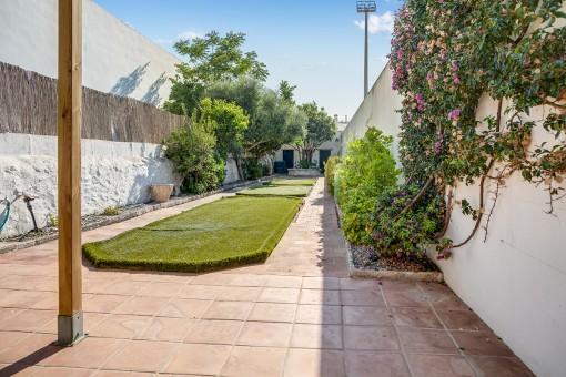 Der lange Garten bietet Privatsphäre