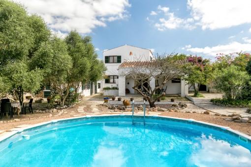 Authentisches, schönes Landhaus in Alaior mit Pool