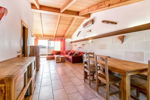 Wohn-und Essbereich mit Terrassenzugang