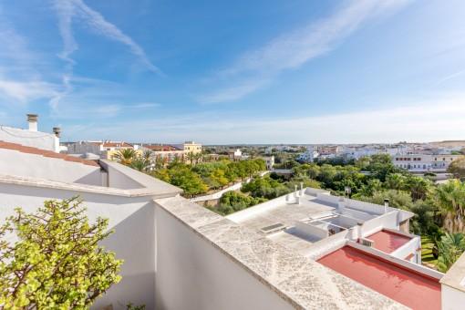 Schönes Duplex-Penthouse mit Blick auf den Hafen von Ciutadella.