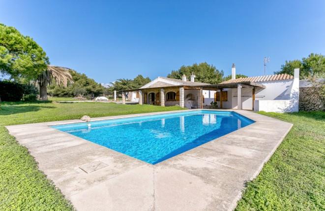 Idyllisch gelegenes Finca mit Pool bei Ciutadella