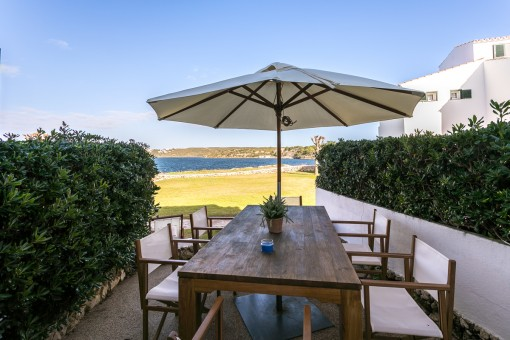 Tolles Haus über 3 Etagen in erster Meereslinie in Sol del Este