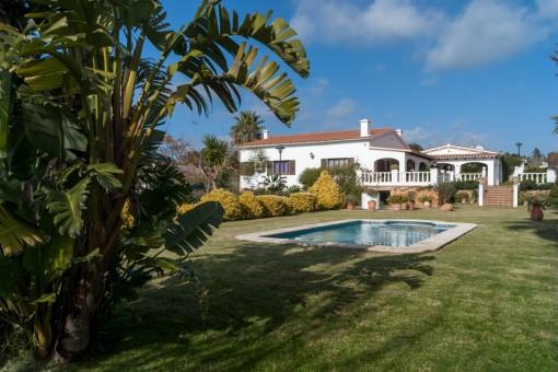 Wunderschöne, geräumige Villa mit Pool in La Argentina