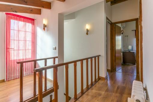 Treppenaufgang und Galerie