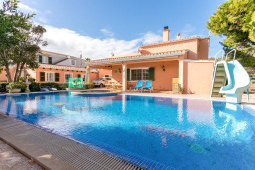 Villa mit Apartment und Pool in Horizonte