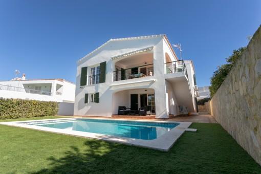 Attraktive Villa mit Pool in der begehrten Gegend von Cala Llonga
