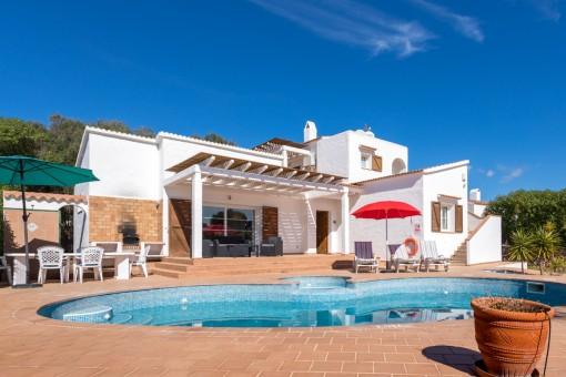 Schöne Villa mit Pool und 2 separaten Eingängen in ruhiger Lage in Binibeca