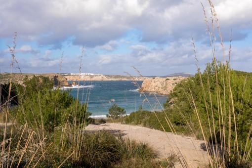 Baugrundstücke in Punta Grossa in der Nähe von Arenal d'en Castell