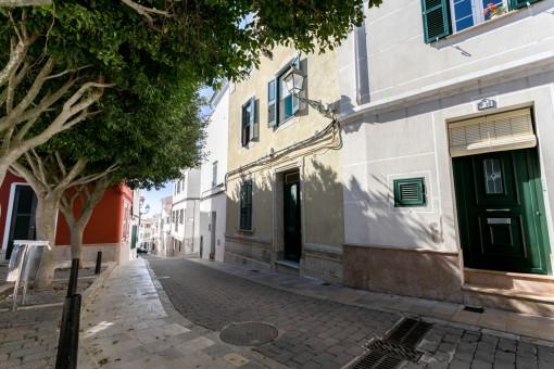 Dreistöckiges Haus im Zentrum von Alaior mit viel Potential