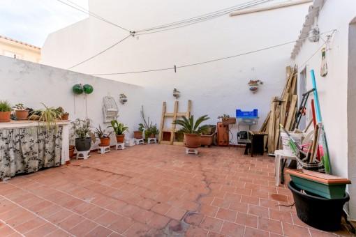Aufstockbares Haus in einem Wohngebiet von Mahón