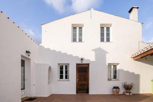 Schönes Landhaus in Torret, in der Nähe von San Luis mit viel Gartenfläche