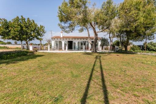 Finca mit großem 11.000 qm Grundstück bei Ciutadella