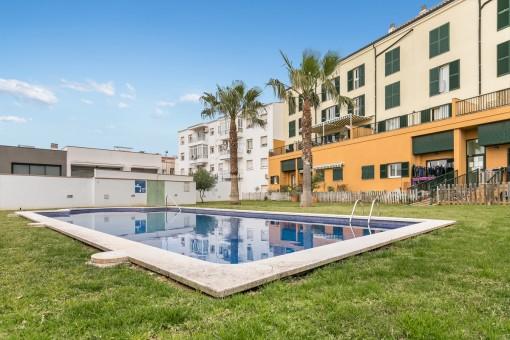 Helle, ruhige Wohnung in Mahón mit Pool und Aussicht bis zum Monte Toro