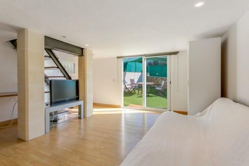 Weiterer Wohnbereich mit Terrassenzugang
