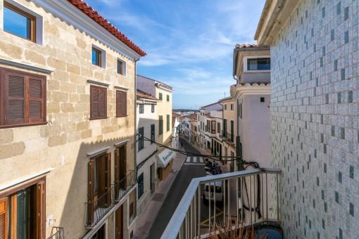 Dreistöckiges Haus mit Patio und Dachterrasse in Alaior zum Renovieren