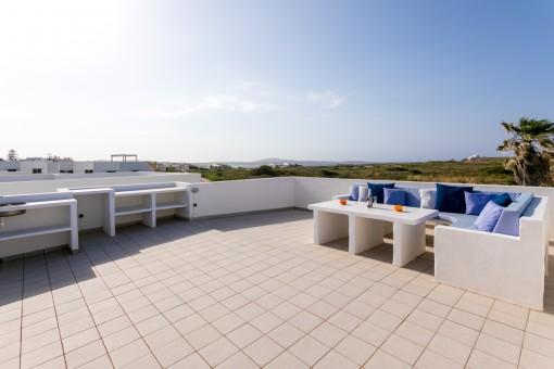 Neuwertige Villa in toller Anlage mit Pool, 250 m vom Strand von Punta Grossa entfernt