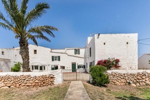 Spektakuläres Finca-Anwesen mit viel Land und touristischer Vermietlizenz in der Gegend von Ciutadella