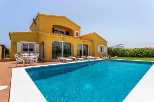 Alleinstehende Villa mit Pool im schönen Punta Grossa mit Ferienvermietlizenz