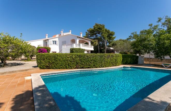 Sehr schöne, große Villa mit Pool, Garten...