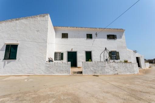 Atemberaubende 40 Hektar große Meerblick-Finca mit Nebengebäude zum Restaurieren südlich von Sant Climent