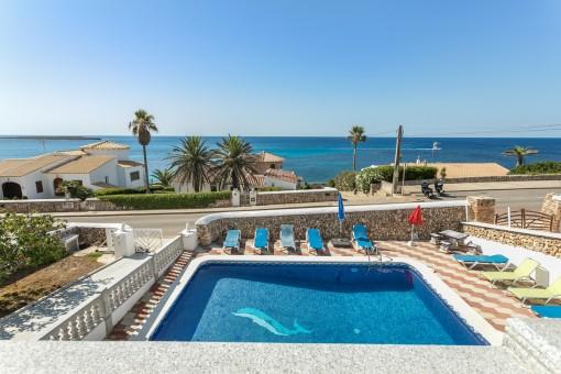Herrliche Villa mit Pool in zweiter Meereslinie in Son Ganxo in der Nähe von Punta Prima