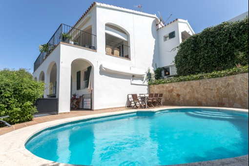 Schöne Villa mit Pool, Garten und Touristenlizenz in Cala Llonga