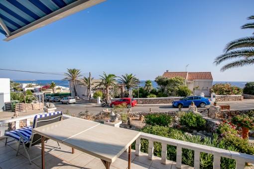 Kleines Reihenhaus in Ecklage mit Terrasse, schönem Meerblick und Garage in Son Ganxo