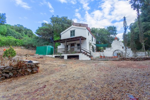Kleines, ruhig gelegenes Landhaus mit 2 Schlafzimmern, großem Grundstück und Solarenergie bei Es Migjorn
