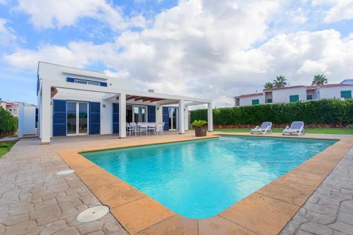 Spektakuläre, moderne Villa in Cala'n Blanes mit touristischer Vermietlizenz