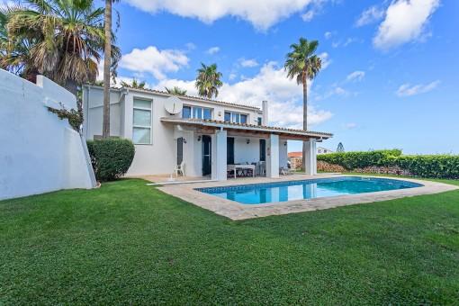 Große Villa mit tollem Blick über den Hafen und la Mola in Sol del Este mit Touristenvermietlizenz