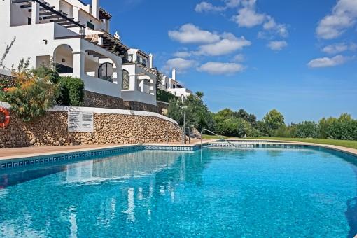 Apartment in hübscher Wohnanlage mit Pool und herrlichem Meerblick in Coves Noves