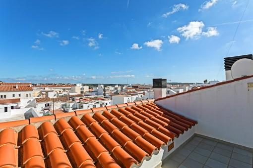 Schöne, renovierte Duplex Wohnung in Es Castell mit 2 Terrassen