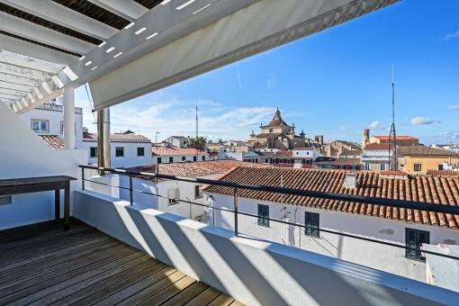 Gehobene Wohnung auf 3 Ebenen Altstadt und Blick auf die Dächer und den Hafen von Mahón