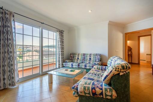 Tolle, große Wohnung mit Balkon, herrlichem Ausblick  und Kamin in Es Mercadal